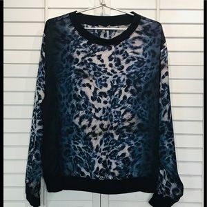 Vince Camuto blue leopard long sleeves size large